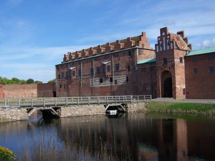 Malmöhus Slott o castillo, al pie de los canales y del Kungsparken