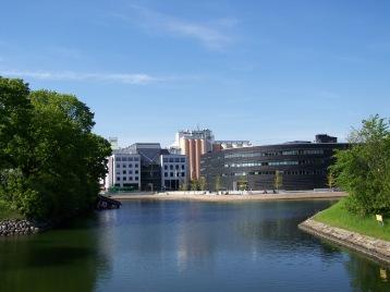 Canales y parques en la bahía de Öresund