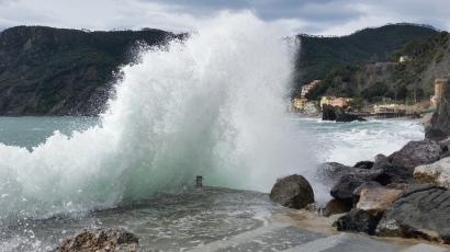 Tras la ola, playa de Monterosso al Mare
