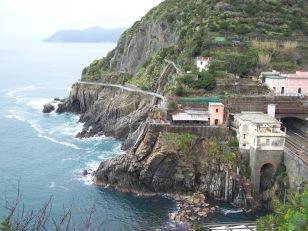 Tren y sendero costero de Cinque Terre