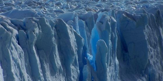 Detalle de la fachada de hielo del glaciar Perito Moreno, en la Patagonia Argentina
