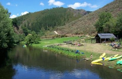 Embalse de Ferreira, Santa Eulalia de Oscos, donde se practica piragüismo y canoa
