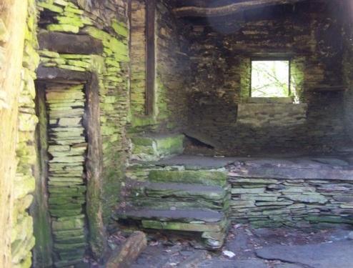Casa abandonada de Ancadeira, ruta de la Seimeira