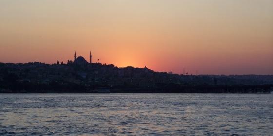 Atardecer desde el mar en Estambul