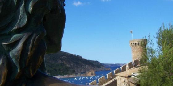 Ava Gardner, inmortalizada mirando a la fortaleza de Tossa de Mar