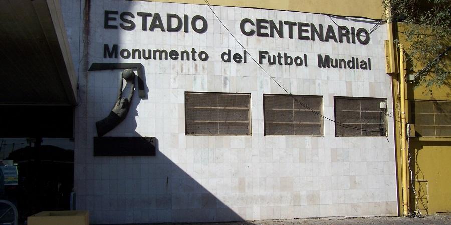 """Estadio Centenario, Montevideo, único """"Monumento del Fútbol Mundial"""""""