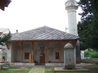 Antiguo mezquita de piedra y madera, Stolac