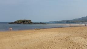 La Isla bajando la marea, partiéndose en dos playas