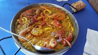 Paella de mariscos en la Cofradía de Puerto de Vega