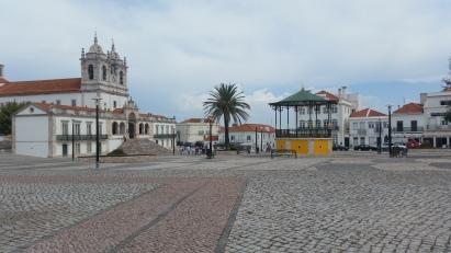 Largo e iglesia de Nossa Senhora de Nazaré