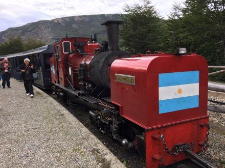 Característica locomotora roja del Fin del Mundo