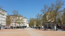 """Plaza de la Croix Rousse, con sus deliciosas """"pâtisseries"""""""