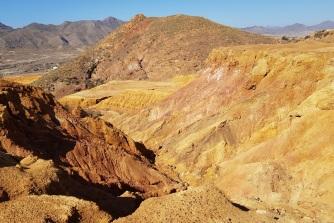 Formaciones terrosas y coloridas de la mina de Mazarrón