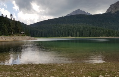 Lago Negro o Crna Jezero