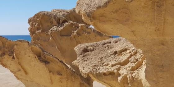 Erosiones de Bolnuevo, capricho del viento a pie de mar (Puerto de Mazarrón, Murcia)