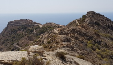 Carretera y camino hacia Loma de Jorel desde Castillitos