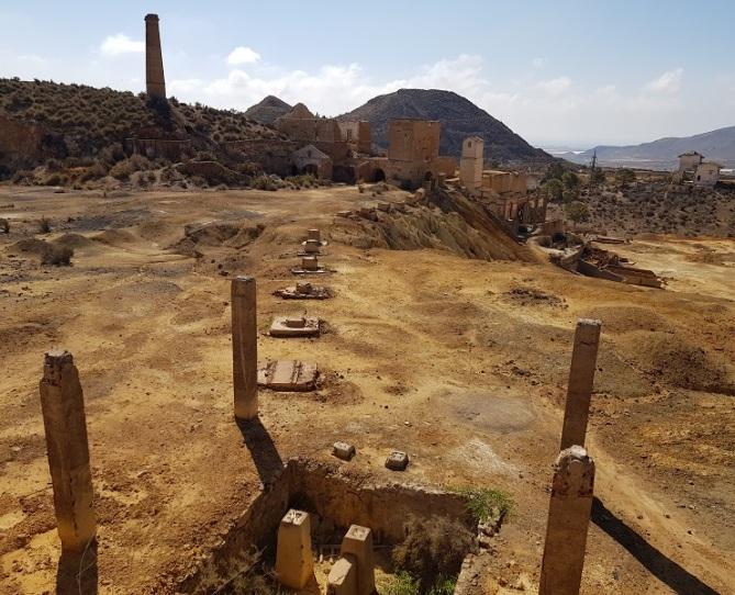 Otra de las explanadas principales de la mina