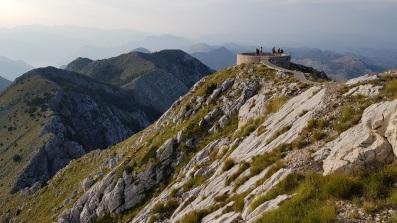 Mirador panorámico desde el mausoleo del Monte Lovćen