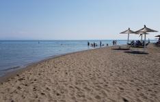 Playa Velipokë, norte de Albania