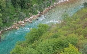 Saltos y rápidos en las turquesas aguas del Tara