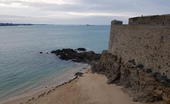 Bastion Hollande, en la playa de Môle