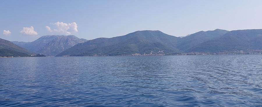 Bocas de Kotor saliendo hacia el Adriático