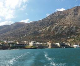 Plaka desde el barco a Spinalonga