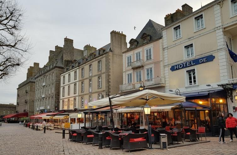 Plaza de Chateaubriand