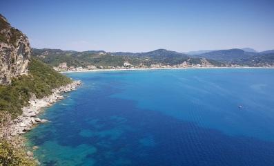 Vista de Agios Georgios Pagon al inicio de la bajada a Por