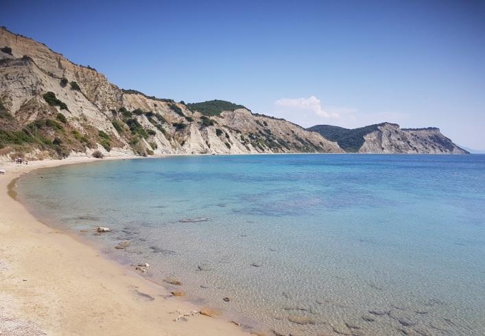 Playa de Arkoudillas desde la carretera colgante