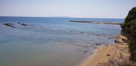 Cabo Akroudoula desde la carretera colgante