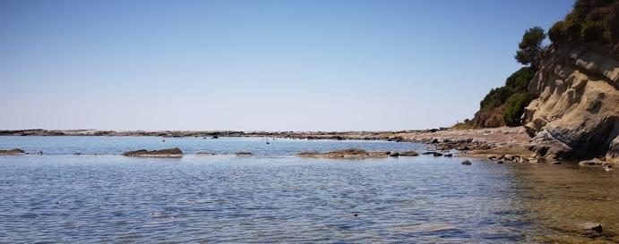 Prolongación hacia el mar del cabo Akroudoula