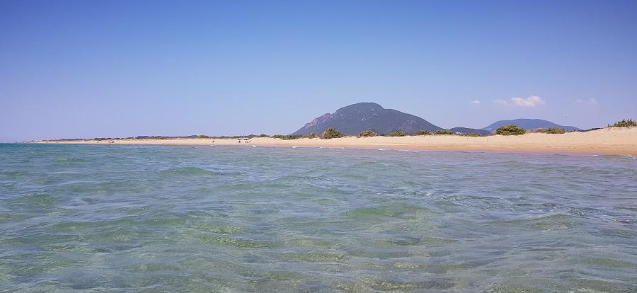 Playa de Halikounas desde el agua