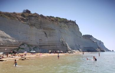 playa_loggas_corfu_laurifog_2