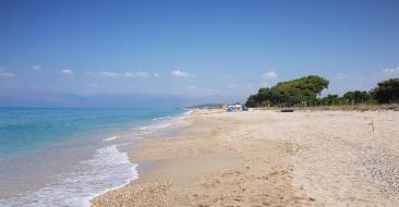 Playa de Acharavi, hacia el norte