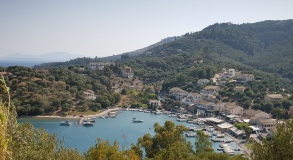 Puerto-playa de Agios Stefanos, el del noreste