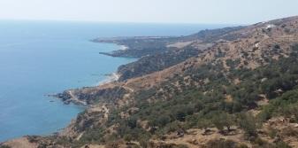 Rodakino y Korakas desde la carretera de montaña