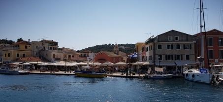 Puerto y casas de colores de Gáios, Paxos
