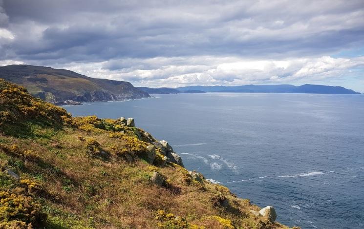 Vista de la boca de la ría de Ortigueira y el cabo Ortegal desde Estaca de Bares