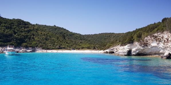 El agua azul de Antípaxos, Islas Jónicas
