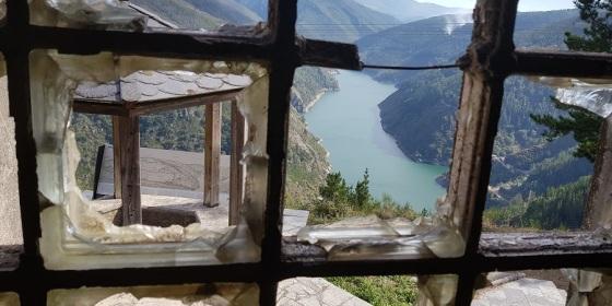El embalse de Salime y el mirador de A Paicega desde la ventana más bonita del mundo