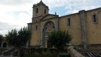 Iglesia de San Julián y Santa Basilisa, Isla pueblo, Cantabria
