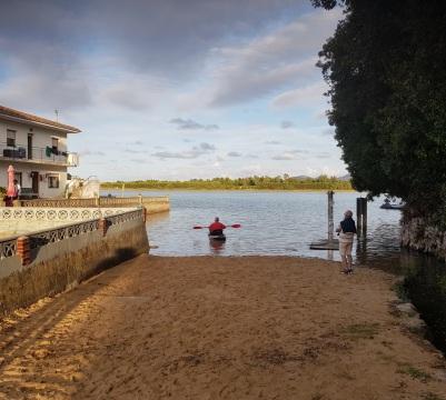 Isla, Cantabria, playa de la Cava, en la ría de Joyel o Queijo, con bajamar