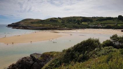 Playa de la Arena, Isla, desde La Sorrozuela, en cabo de Ajo