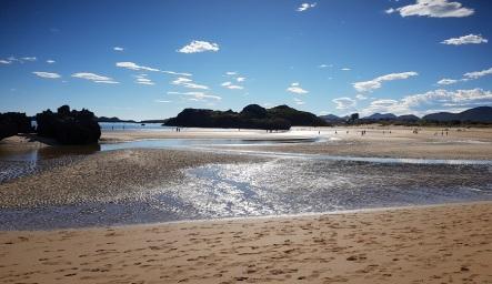 Todas las playas de Isla unidas con las de Noja: Cuarezo y Risa, en bajamar