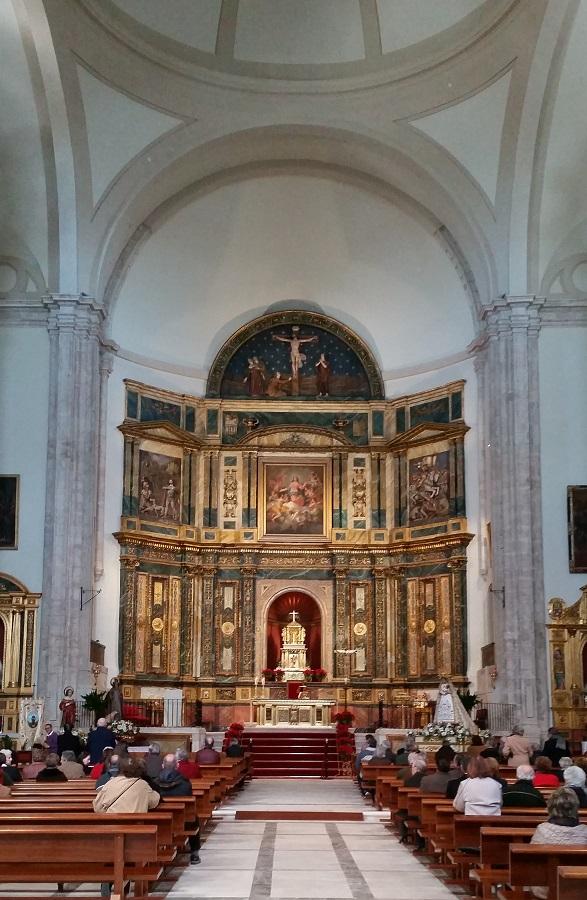 Interior de la iglesia de Nuestra Señora de la Asunción y Altar Mayor con lienzo de Goya, Chinchón