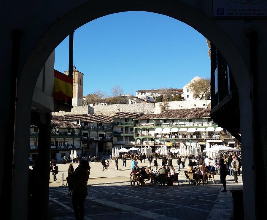 Plaza Mayor de Chinchón desde el arco de Goya