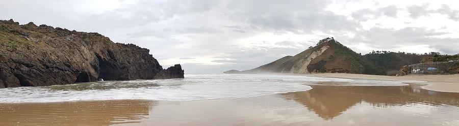 Panorámica de la playa de San Antolín de Bedón, desde La Dehesa hasta el monte Niembru, invierno