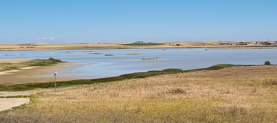Panorámica de la laguna Salina Grande desde el mirador de Otero de Sariegos, Zamora