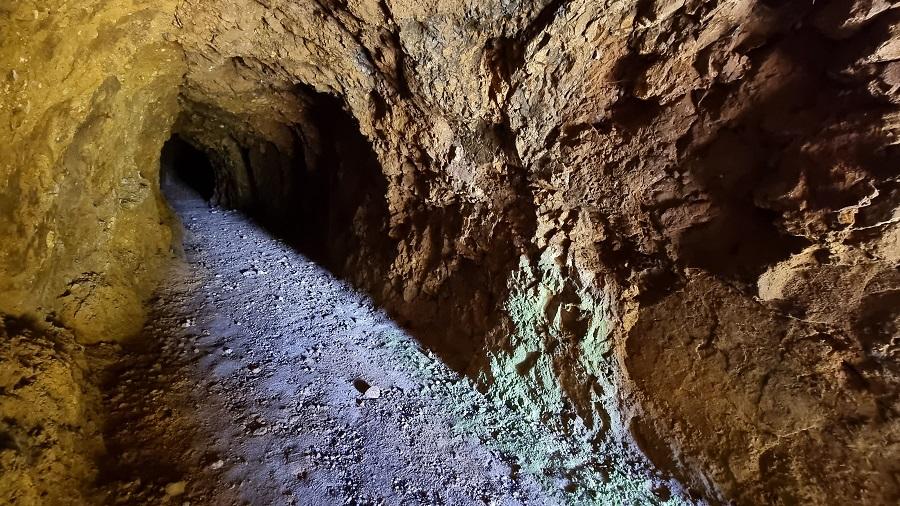 Galería principal de la mina de Peña Tascón